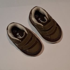 Airwalk leather and synth baby skate shoes sz2